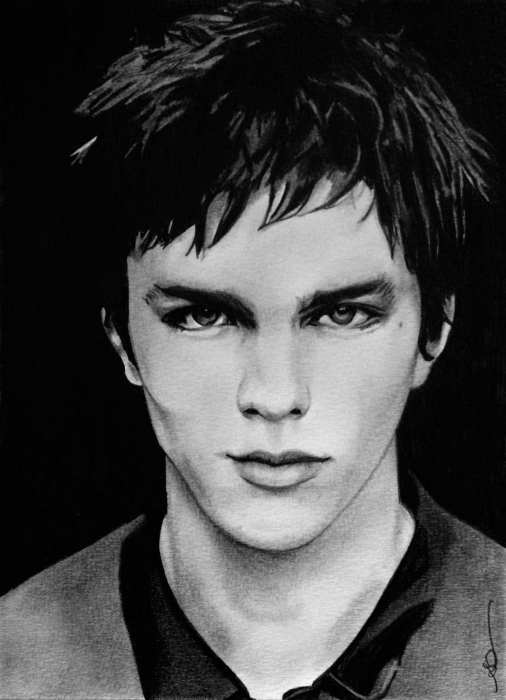 Nicholas Hoult - Wallpaper Gallery